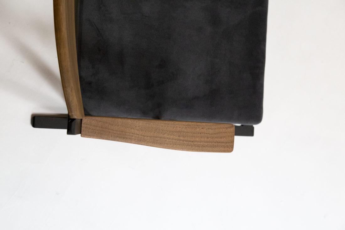IKKE floor chair walnut 上から